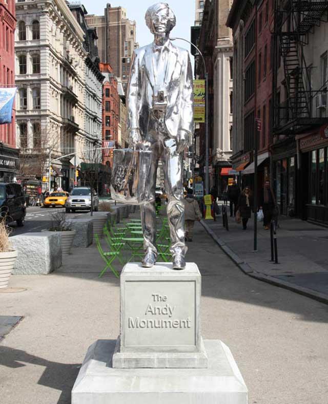 Statua di andy warhol a new york city inewyork for Case in vendita new york manhattan